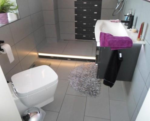 Badezimmer_LED_Fussboden